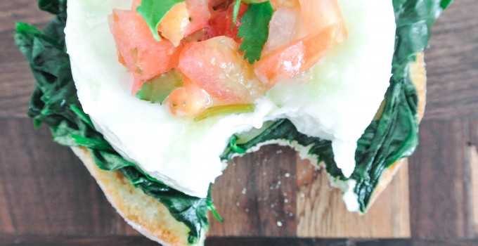 Eggs Florentine {Healthy + Easy}