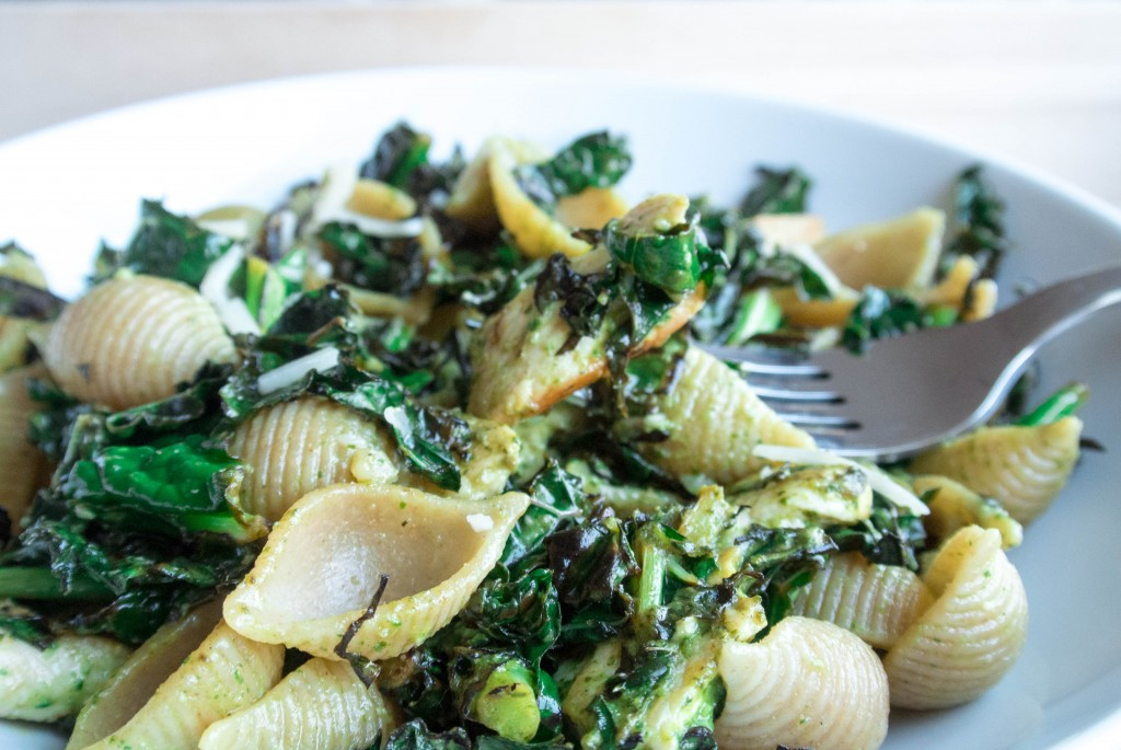 Spinach Caesar Pasta with Charred Kale-2