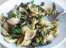 Spinach Caesar Pasta with Charred Kale-3