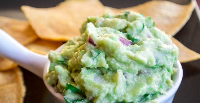 Small Batch Guacamole {Chipotle Recipe}